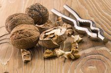 Free Walnuts And Nutcracker Stock Photos - 4089593