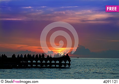 Free Enjoy Sunset Or Sunrice Stock Image - 4091121