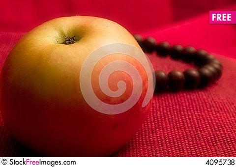 Free Apple Fruit Prayer Beads Royalty Free Stock Photos - 4095738