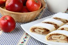 Free Still Life With Apple Roll (strudel) Royalty Free Stock Photos - 4093098