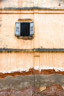 Free Building With Window And Decayed Wall Stock Photography - 4093392