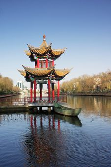 Free Chinese Style Pavilion Royalty Free Stock Photography - 4094517
