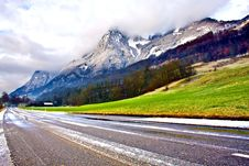 Free Mountains Road Royalty Free Stock Photography - 4096467