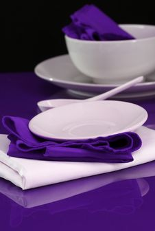 Free Table And Dishware Stock Photography - 4098862