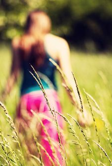 Free Blured Girl In Nature Stock Photography - 40928862
