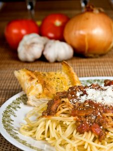 Free Spaghetti & Meat Sauce Royalty Free Stock Image - 4101386