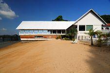 Free Beach House And Blue Sky Royalty Free Stock Photos - 4101398
