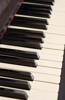 Free Closeup Antique Piano With Yellowish Old Keyboard Stock Photo - 4104570