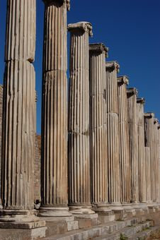 Free Ancient Columns Stock Photography - 4106572
