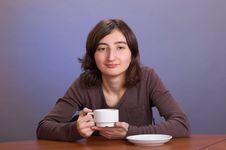 Free The Girl With A Mug Royalty Free Stock Image - 4112126