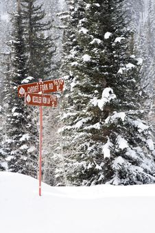 Snow Covered Mountain Road Royalty Free Stock Photos