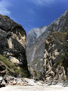 Free Tiger Leaping Gorge Stock Image - 4119331