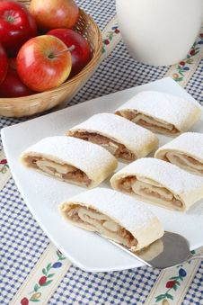 Free Apple Roll (strudel) Stock Images - 4124904