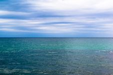 Free Clean Horizon Green Water Royalty Free Stock Photo - 41284145