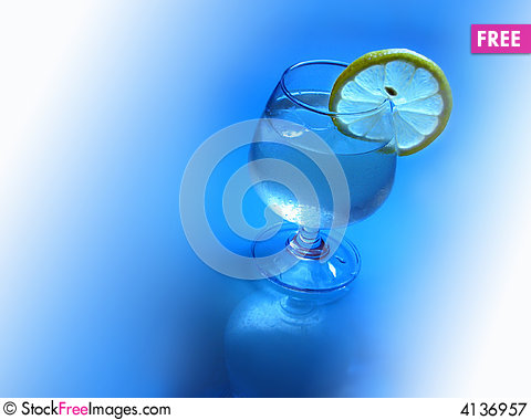 Free Ice Lemon Cocktail Royalty Free Stock Photography - 4136957