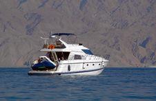 Free Luxury Yacht Stock Photography - 4131102