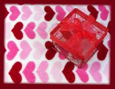 Free Red Wire Box On Heart Background Royalty Free Stock Images - 4132579