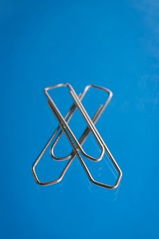 Free Paper Clip Royalty Free Stock Photography - 4138717