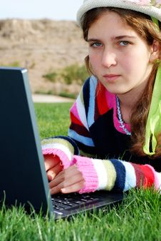 Free Young Girl And Laptop Royalty Free Stock Photography - 4145987