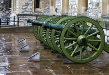 Free Tower Of London Cannons Royalty Free Stock Photo - 4149985