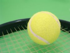 Free Tennis Ball And Racket Royalty Free Stock Photography - 4153477