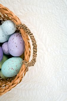 Free Eggs In Basket On Quilted Background Royalty Free Stock Photo - 4154375
