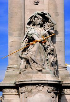 Free France, Paris: Statues Of Alexander III Bridge Stock Image - 4157951