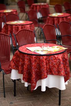 Free Restaurant Tables Stock Image - 4160311