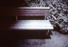 Free Snowy Bench Stock Photography - 4161282