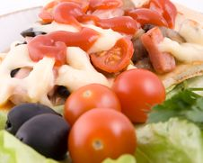 Free Pizza With Vegetables Close Up Royalty Free Stock Photography - 4161917