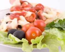 Free Pizza With Vegetables Close Up Royalty Free Stock Photography - 4161927