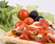 Free Pizza With Vegetables Close Up Stock Images - 4161934