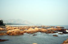 Free Boulders By The Seaside Stock Images - 4162434