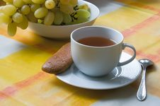 Free Cup Of Tea With A Biscuit And Grapes Royalty Free Stock Photography - 4171907