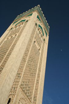 Free Minaret And Sky Royalty Free Stock Images - 4171919