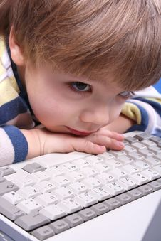 Free Boy Using A Laptop Stock Photography - 4173222