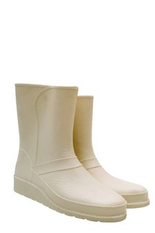 Free White Rubber Boots Royalty Free Stock Photos - 4173578
