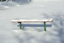 Free Wood Bench In Snow Stock Photography - 4183452