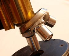 Free Microscope Turret Royalty Free Stock Photography - 4184677