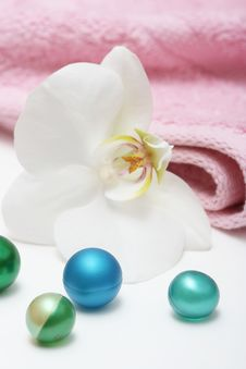 Orchid And Bath Oil Balls Stock Photography