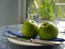 Free Apple On A Plate Stock Photos - 4199093