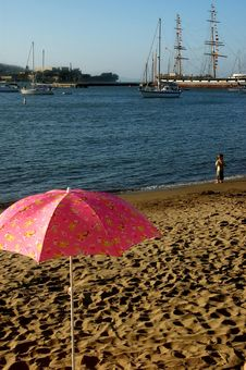 Free Pink Umbrella Royalty Free Stock Photo - 422975