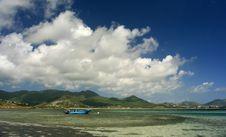 Free St Maarten Blue Boat Blue Sky Royalty Free Stock Image - 4206676