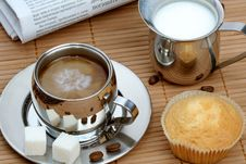 Free Cup Of Coffee With Muffin And Milk Royalty Free Stock Images - 4207759