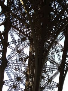 Free Paris - Eiffel Tower Royalty Free Stock Image - 4220826