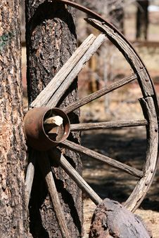 Free Old Wagon Wheel Royalty Free Stock Images - 4225819