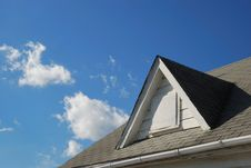 Free Roof Gable And Blue Sky Royalty Free Stock Photo - 4236345