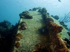 Small Wreck On Bonaire Royalty Free Stock Images