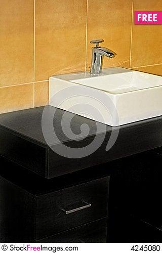 Free Simple Bathroom Stock Photo - 4245080