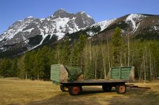 Free Kananaskis Wagon Stock Photo - 4246450